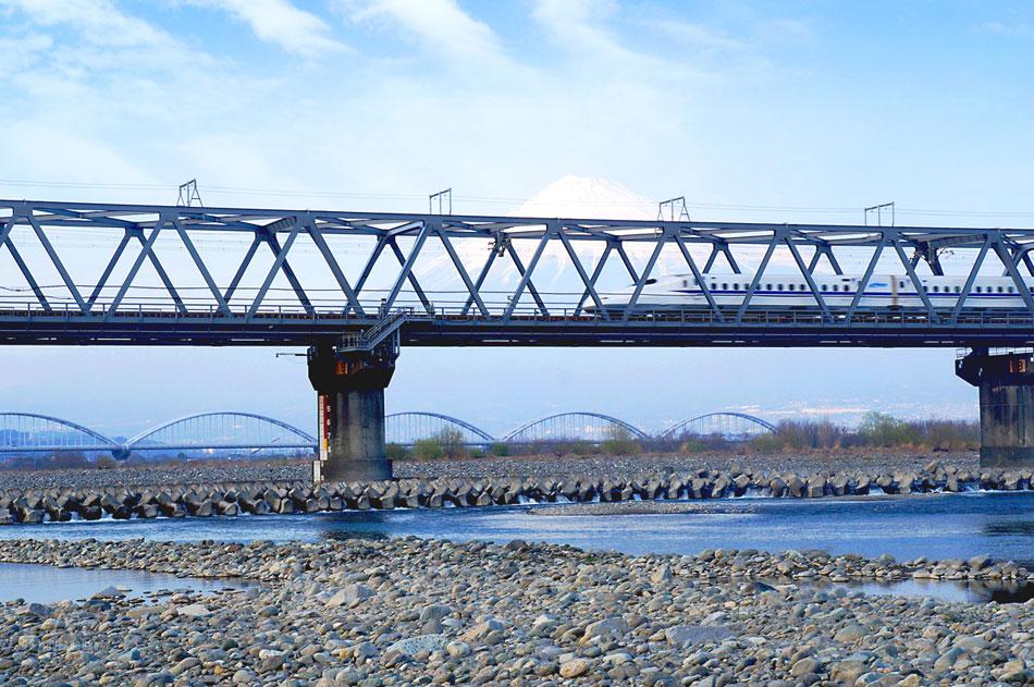 จุดถ่ายรูป-Mount-Fuji-&-Shinkansen2