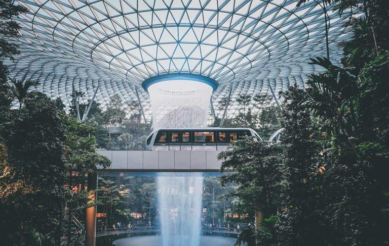 Jewel Changi Airport : จะมีสักกี่ประเทศที่ทำให้คนอยากมาเที่ยวสนามบิน!